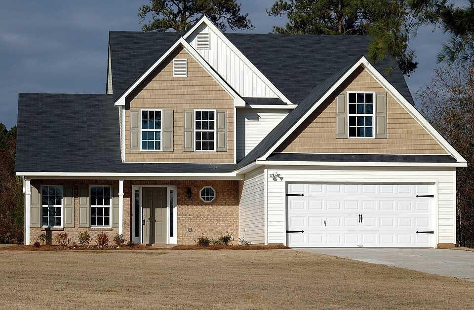 Find en ejendomsmægler så boligprojektet kan komme i gang